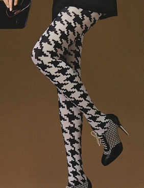 Large print houndstooth.