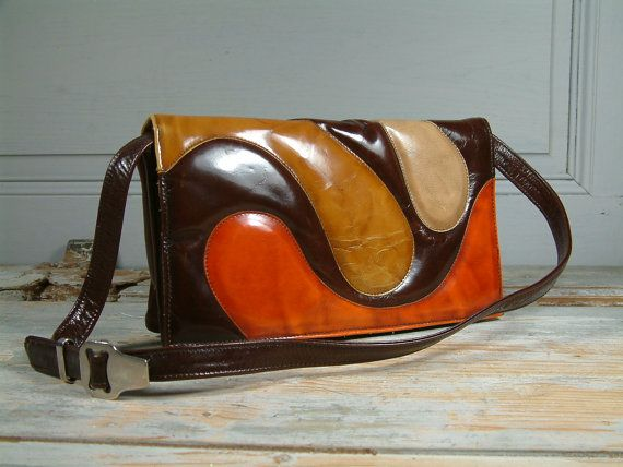 French vintage 1970s genuine leather purse. 1970s by Chanteduc