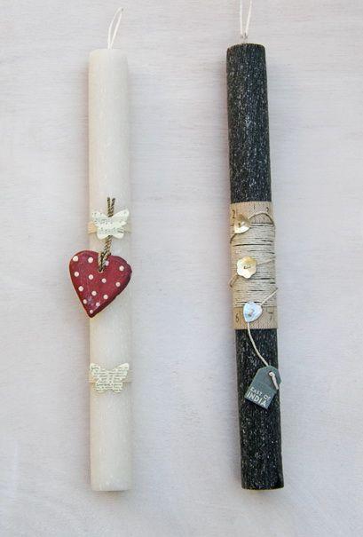 lb4094 {12,00 €/τεμ.} λαμπάδες από χειροποίητο κερί με σαγρέ επιφάνεια, ξύλινη καρδούλα / σπάγγο και φίλντισι