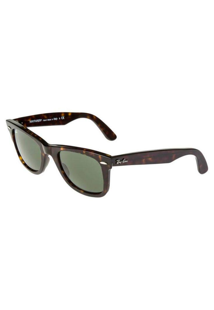 "Ray-Ban. ORIGINAL WAYFARER - Sunglasses - braun. UV protection:yes. lenses:coated glasses. Frame style:Wayfarer. Bridge width:0.5 "" (Size 54). Total width:5.5 "". Glasses case:hard case. Arm length:5.5 "" (Size 54)"