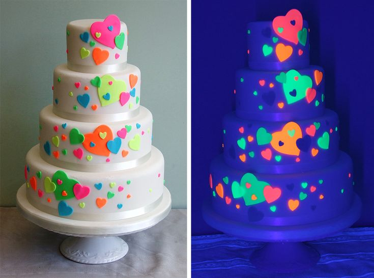 If your disco is going to be a focal point of the evening reception, why not place a Glow in the dark cake at the centerpiece of your buffet? Designed by Sweetness and Delight glow in the dark cakes look fantastic and they are so much funThe World's Most Amazing Wedding Cakes
