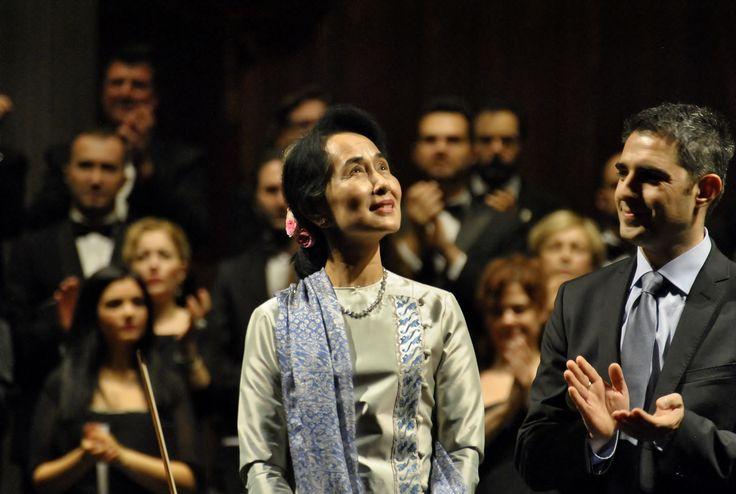 Aung San Suu Kyi e Federico Pizzarotti (Ph. Annalisa Andolina)
