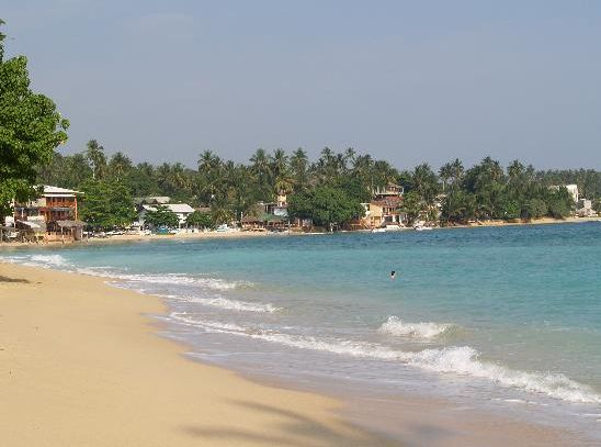 Unawatuna Beach for Your Holidays in Sri Lanka | Internet Billboards
