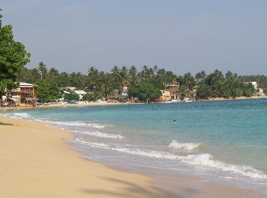 Unawatuna Beach for Your Holidays in Sri Lanka | Internet Billboards