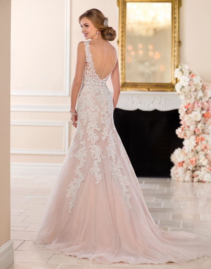 6552 // Elegant and romantic, this princess wedding dress from Stella York will bring any fairy tale to life!