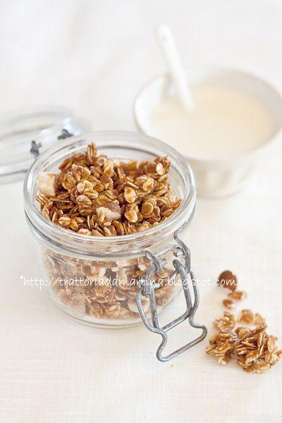 Granola ovvero muesli croccante al miele homemade - Trattoria da Martina - cucina tradizionale, regionale ed etnica