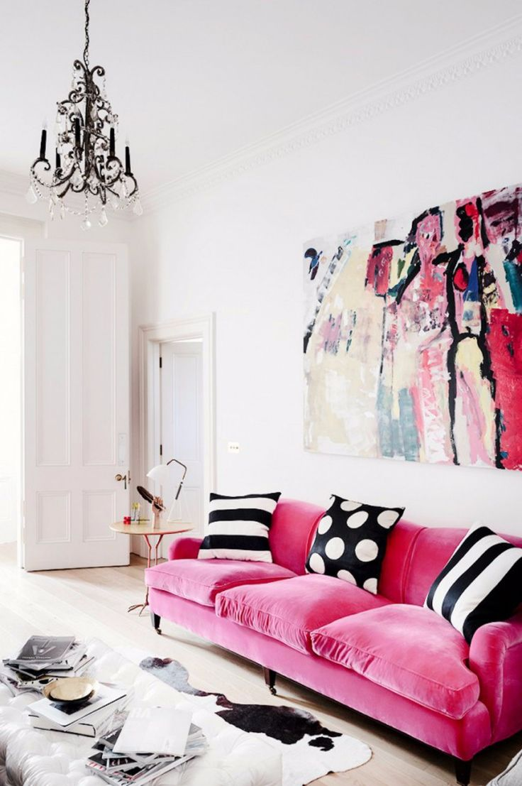 The Trendiest Modern Sofas According To Pantone's Spring Color Report | Velvet Sofa. Living Room Set. Spring 2017. Pink Sofa. Pink Yarrow #modernsofas #velvetsofa #pantone Read more: http://modernsofas.eu/2016/12/13/trendiest-modern-sofas-according-pantones-spring-color-report/