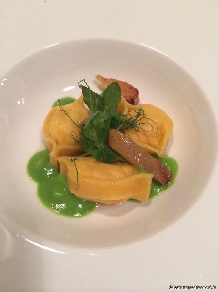 """Ristorante """"Il Tino"""", Ostia. Tortelli, mazzancolle, piselli e guanciale. """"Il Tino"""" restaurant. Ostia, Italy."""