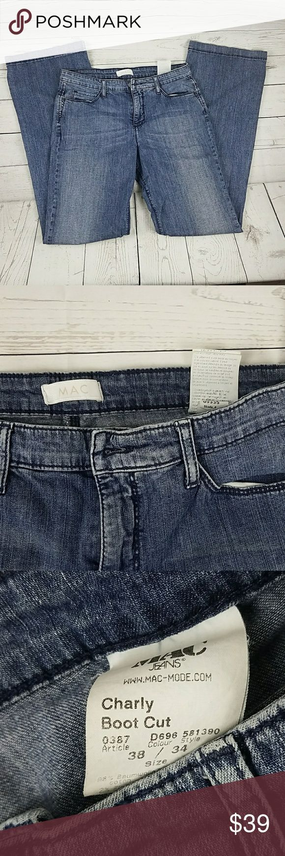Women's MAC Jean's Straight Leg Size 29 Women's MAC Jean's are in good condition. Gently Worn. Straight Leg Size 29 Inseam 32 Rise 9 Waist 14 1/2 Mac Jeans Straight Leg