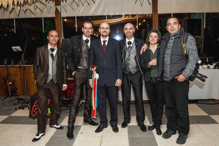 """A staff: Mezei """"Colors"""" Zsolti, Csánó """"Colors"""" Tomi, Csepi """"Colors"""" Laci, és a Zsok fotós- és házaspár."""