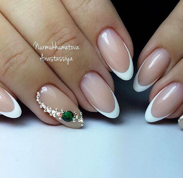 Френч маникюр - новинки красивого дизайна на ногтях ...