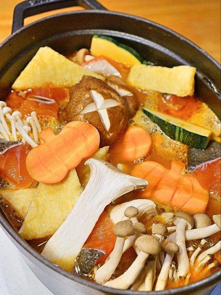 ラ王袋麺アレンジ!秋の味覚たっぷり味噌バター鍋の作り方