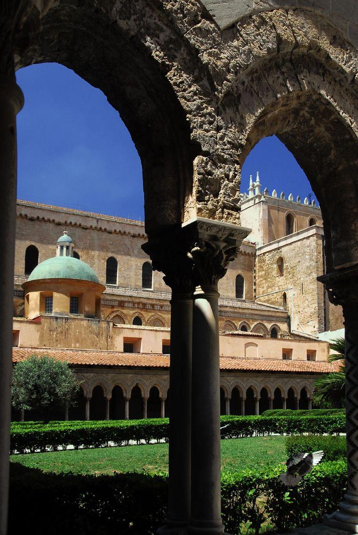 Italy Palermo  Monreale cloister..