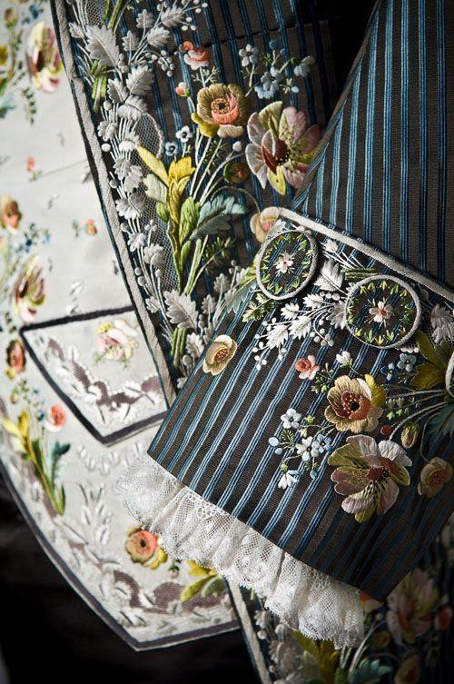 Close up of Axel von Fersens clothes made in Paris around 1785.
