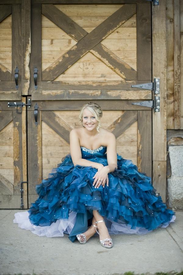 Blue Prom Dress // Blue Grad Dress // Blue Ruffles // Grad Photography // Tanis Katie Photography // www.taniskatie.com