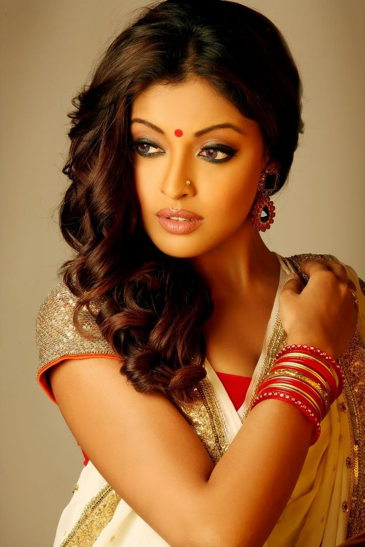 Tanushree Dutta In Bengali Dress | HD Bollywood Actresses