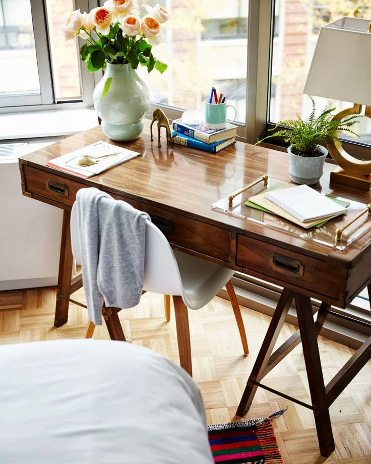 Gorgeous Desk tumblr mx5drkUePX1rqeb09o1 12802 50 Inspirational Workspaces & Offices   Part 20