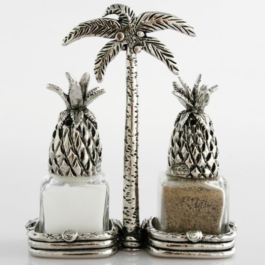 Pineapple Salt And Pepper Shaker Set.   I Need And Want This!