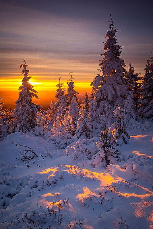 ~~Morning light ~ a wintery sunrise in Karkonosze mountains, Poland