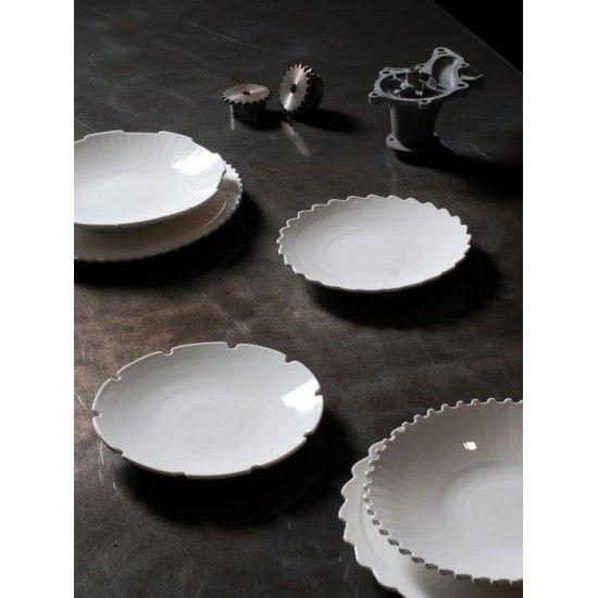 Assiette creuse machine collection diesel living super vaisselle au design industriel donnez un esprit  sc 1 st  Pinterest & 8 best Diesel living/Art de la table images on Pinterest | Diesel ...