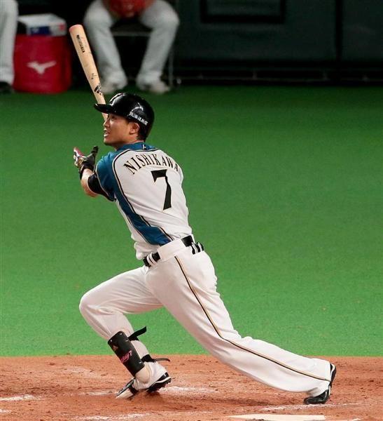 日本シリーズ日本ハム対広島 9回、サヨナラ満塁HRを放つ日本ハム・西川遥輝=27日、札幌ドーム(撮影・土谷創造)