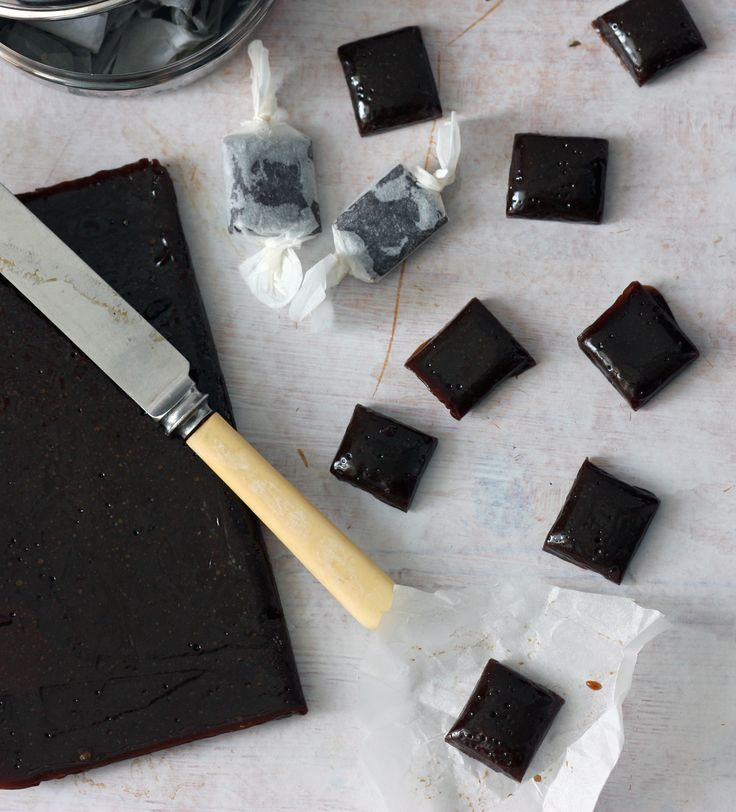 A real British classic. Treacle toffee is really easy to make and absolutely delicious. >>> Mum used to make this for bonfire night every year. Nowhere neat as the cubes in this picture. More like shards. It was like eating yummy brown glass! x