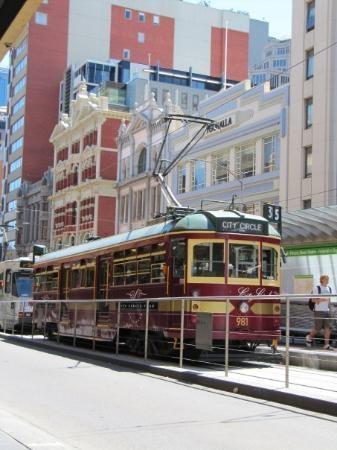City Circle Tram #Melbourne #Australia - free travel around the cbd