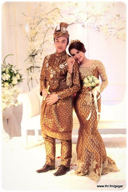 Songket Modern Brown  Gold