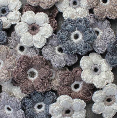 Pof bloemetjes haken | draadenpapier | Gratis patroon van Tara #haken #bloem #crochet #flower