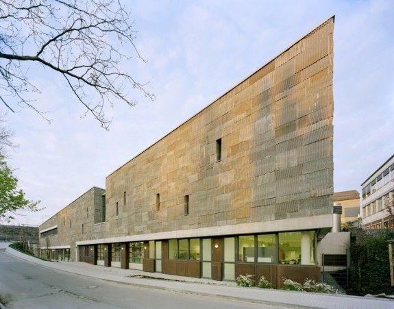 Duch den Neubau des Technikerhauses am Berufskolleg Oberberg erhalte der Campus eine ganz neue Qualität. #homestory #interior #design #architecure #award #house #school #nrw