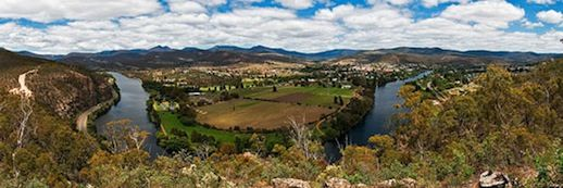 North of Hobart is the Derwent Valley, Explore with my Derwent Valley Day Drive Itinerary and get the most out of your day. Full directions from a local.