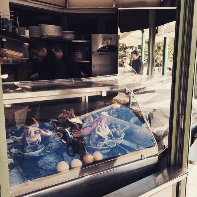 #Casino Кто то сейчас заплачет...)))) Сколько всего вкусного: устрицы, морские ежи, улитки, ракушки, лобстеры и креветки...#Montecarlo #mymonaco #lanch #Cafedeparis #placedecasino #champagne #gastronomic by golubevamary from #Montecarlo #Monaco