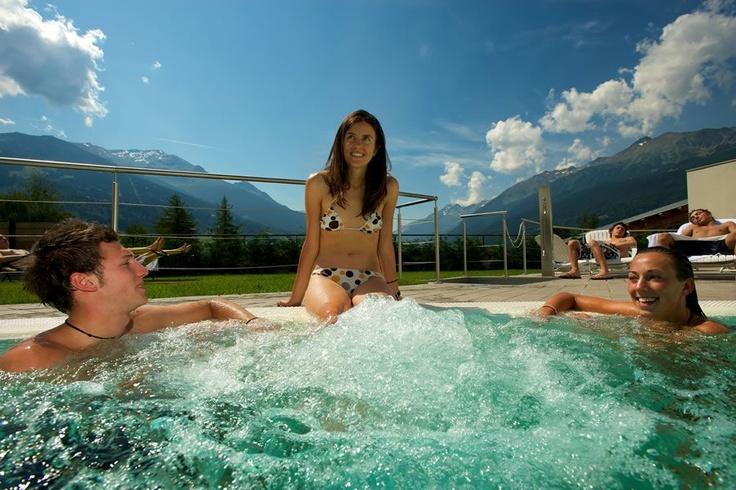 Inside/outside pool - Hotel Palace Bormio