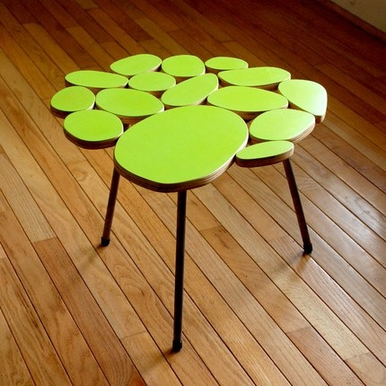 Tennis green table http://3.bp.blogspot.com/_XQfRJq19oUQ/TGqTebK1-eI/AAAAAAAABCw/ljpEPZ5Kyuw/s1600/yellow-green-table-by-michael-arras.jpg