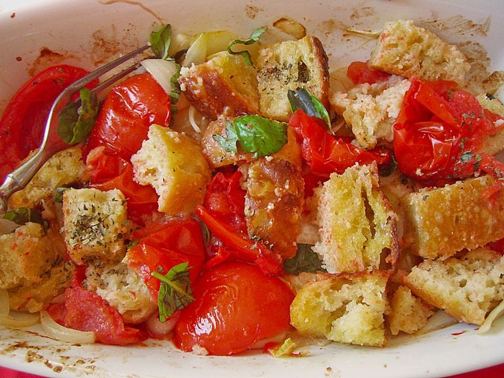 Tomaten - Brot - Salat (Brot bisschen rösten)