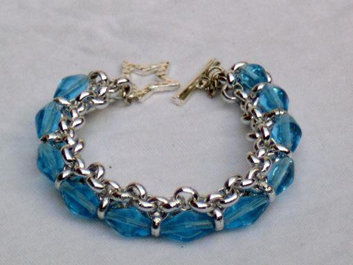 Armband of ketting maken, met werkbeschrijving.     http://www.sieradenmaken.com/images/voorbeelden/jasseron.jpg