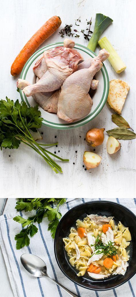 Mit dieser Hühnersuppe macht ihr euch fit bei Erkältung - und ein gutes Gefühl im Bauch, wenn's draußen wieder kalt ist. Ein Rezept für schnelle Hühnersuppe, fertig in nicht einmal einer Stunde!