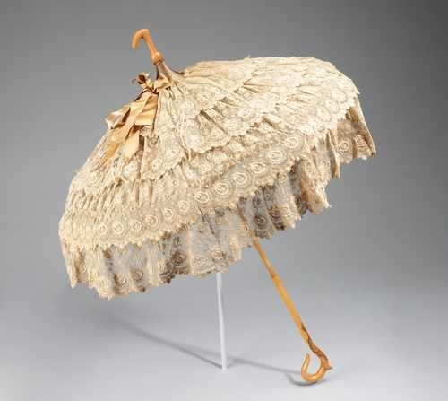 Glue lace to an old umbrella