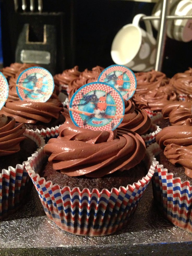 Planes theme cup cakes