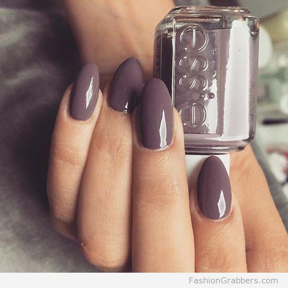| Oval shape merino cool Essie nail    |