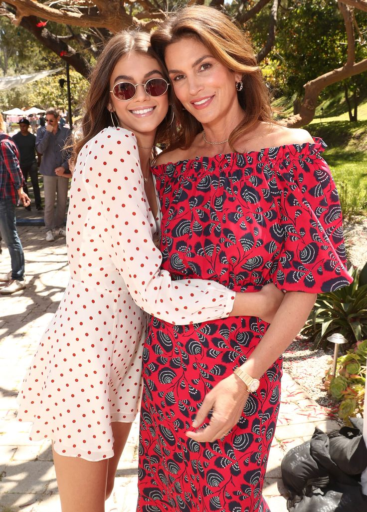 Quick & Easy Food Recipes at Hifow.com   There is no denying Cindy Crawford's seemingly ageless natural beauty, but the mom of two is also attractive on the inside.  Crawford, 51, and her daughter,Kaia Gerber, were on hand to host the Greatest Buddies Mother's Day Brunch at a personal...