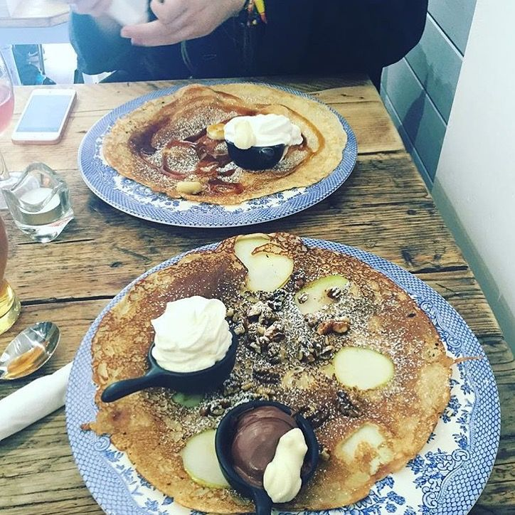 Dutch Conference at Double Dutch Pancake House - sweet pancake of pears, walnuts, ice-cream and Nutella dusted with icing sugar.  #York #Yorkeats #Pancakes #Dutchpancakes #DoubleDutch #pears #sweetpancakes #DoubleDutchPancakeHouse #DDPH