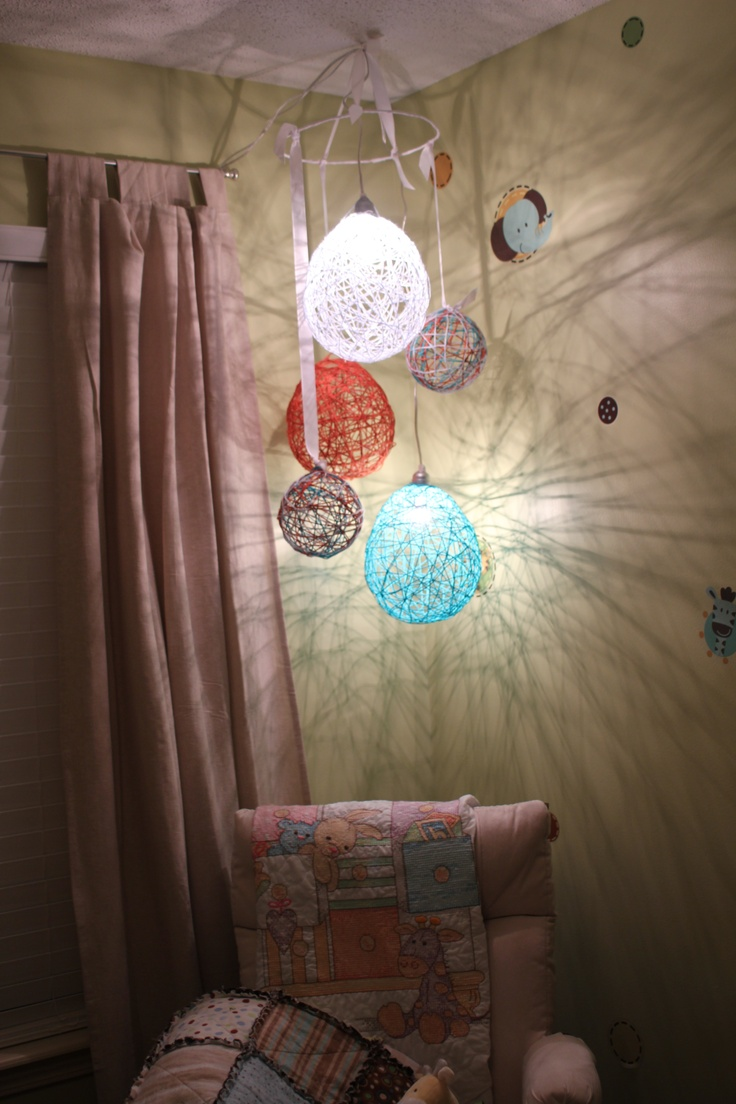 17 best ideas about yarn balloon on pinterest diy bedroom decor diy room ideas and apartment - Bedroom decorating with balloons ...