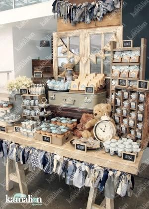 www.kamalion.com.mx - Mesa de Dulces / Candy Bar / Postres / Teddy / Azul / Blue / Rustic Decor / Dulces / Vintage / Madera / Lechero / Maletas / It's a boy / Vintage / Cupcakes / Macaroons / Bautizo. by Rebecca Grant
