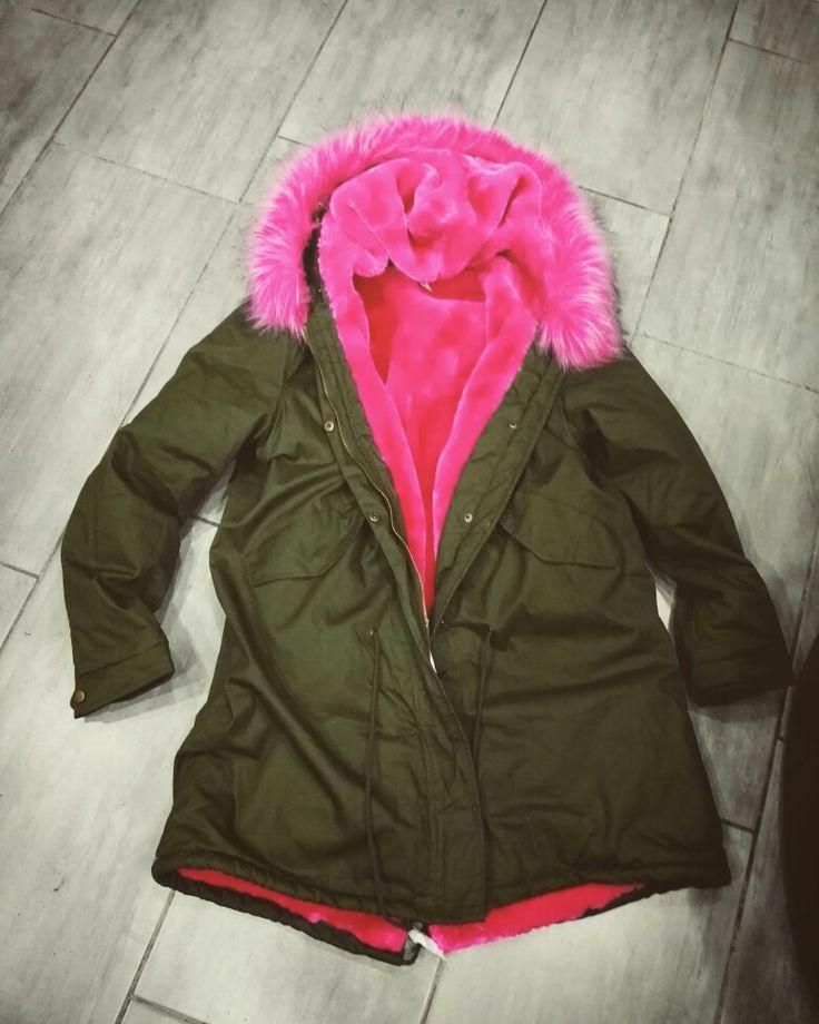 🔹Buongiorno🔹con #duetto Parka con pelliccia #rosa super trendy!! ✨Prezzo lancio✨ solo da #duetto sempre il 🔝🔝✌