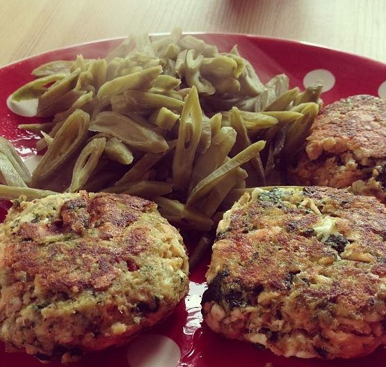 how to make salmon burgers in the oven