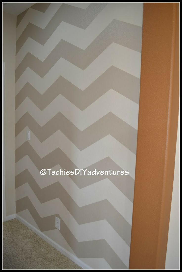 Techie's DIY adventures: Chevron pattern painted wall