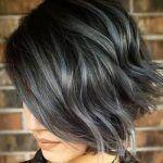 Kurze Frisur für welliges, grau gefärbtes Haar - #dress #heard #short # wavy - #short hair copper