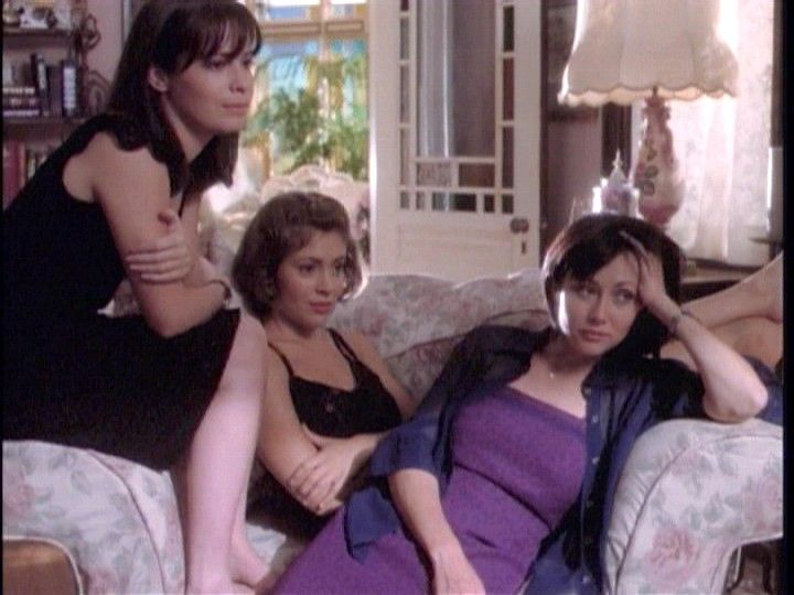 three charmed sisters: holly marie combs, alyssa milano, shannen Doherty Miss them the original Charmed Ones