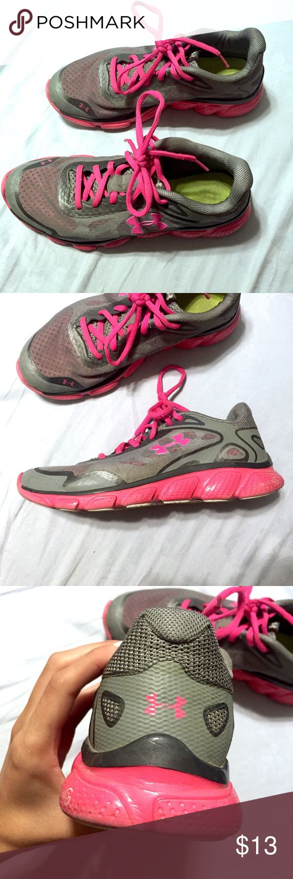 Under Armor Shoes Cute shoes that I didn't wear a lot! Less than 5 times. Good condition! Very comfortable Under Armour Shoes Athletic Shoes